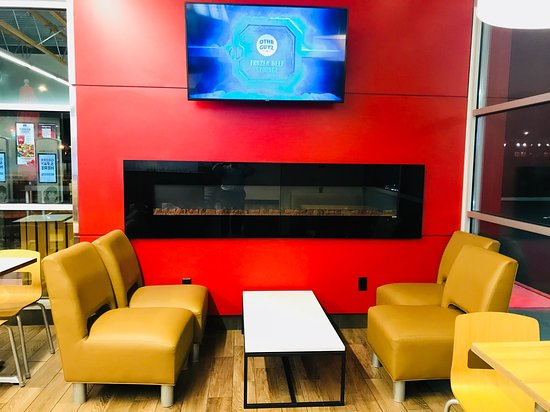 Richfield, OH: TV and lounge Seating