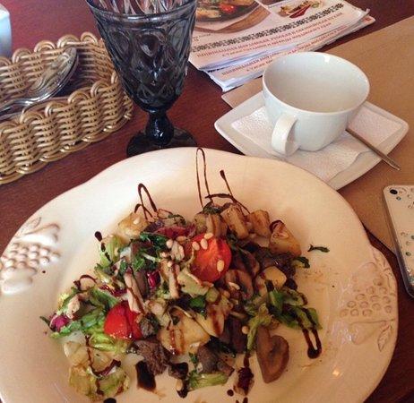 Мордовское Подворье: Вот такая подача блюда