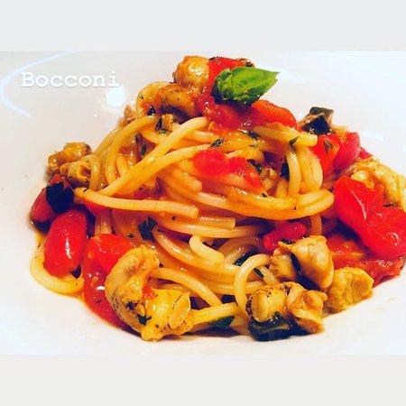 Lisca Bianca: spaghetti con bocconi e ndujia