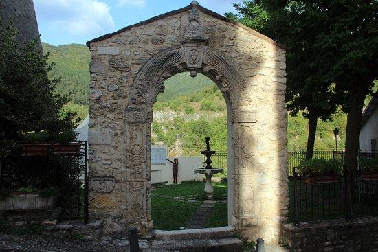 Porta Alchemica: Fronte