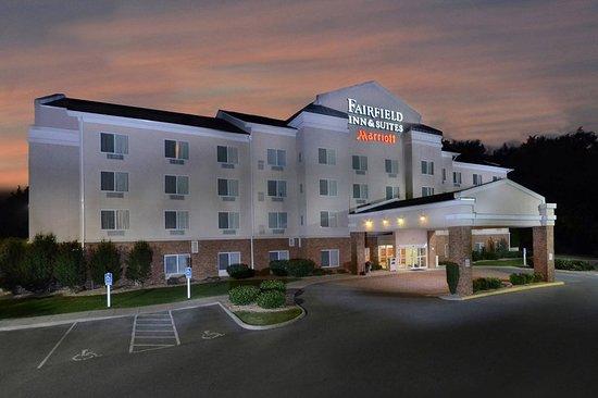 Fairfield Inn & Suites Roanoke Hollins I-81