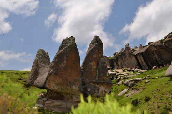 Pampachiri, بيرو: formación rocosa conocida como la corona gigante