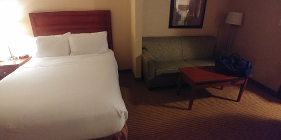 Holiday Inn Express Hotel & Suites Clarington - Bowmanville: 20180819_225847_HDR_large.jpg