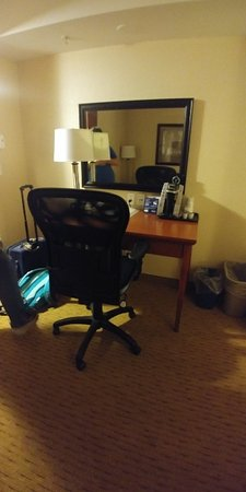 Holiday Inn Express Hotel & Suites Clarington - Bowmanville: 20180819_225855_HDR_large.jpg
