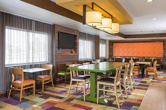 fairfield inn suites mansfield ontario updated 2018. Black Bedroom Furniture Sets. Home Design Ideas