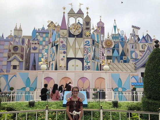 Hong Kong Disneyland: Its A Small World