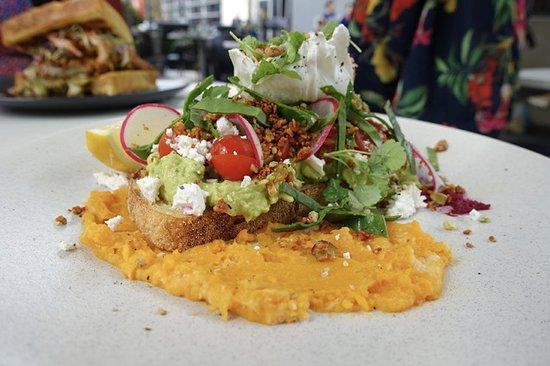 Lane Cove, Australien: Smashed avocado (Healthy Breakfast)