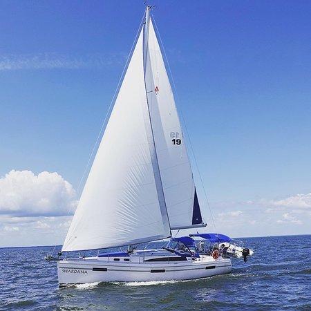 Shardana Sailing Charters: S/V Shardana Sailing the Chesapeake Bay