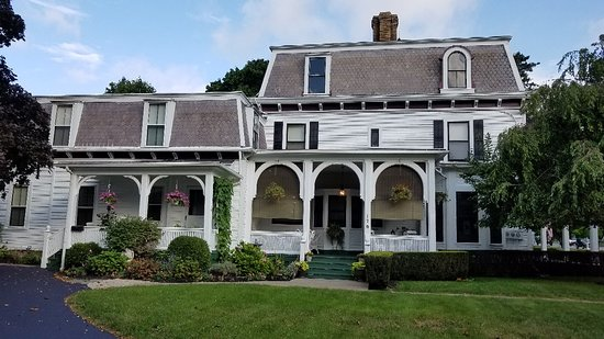 1840 Inn on the Main Bed and Breakfast: 20180906_084918_large.jpg
