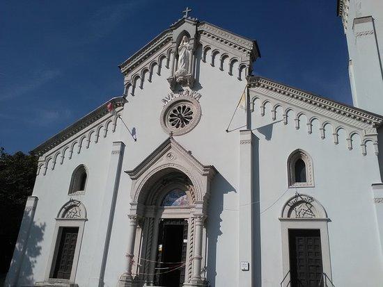 Sassoferrato, Italia: Facciata