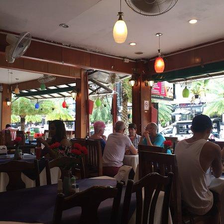 Taj Palace Indian Restaurant, photo0.jpg