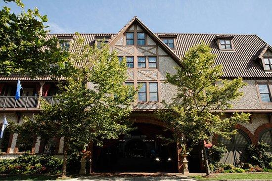Grand Bohemian Hotel Asheville, Autograph Collection