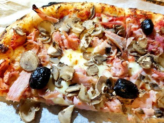Zapi Neche: pizza reine Zappi Neche