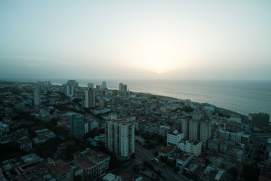 Ciudad de la Habana Province, คิวบา: Vedado is a large, mostly residential neighborhood a few miles west of Old Havana.