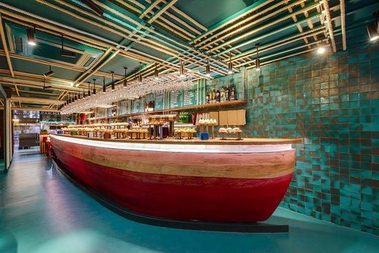 TXALUPA, San Sebastián - Donostia - Menú, Precios y Restaurante Opiniones -  Tripadvisor