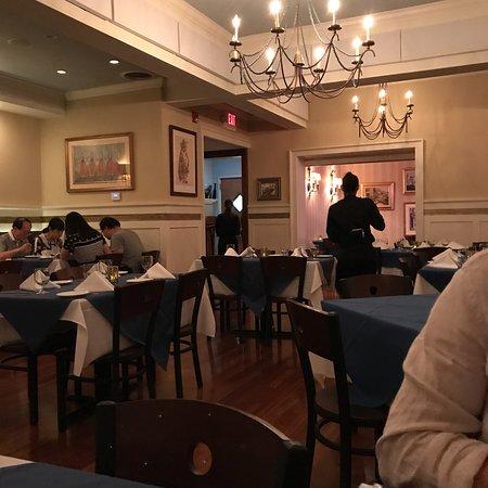 Athos Restaurant: photo0.jpg