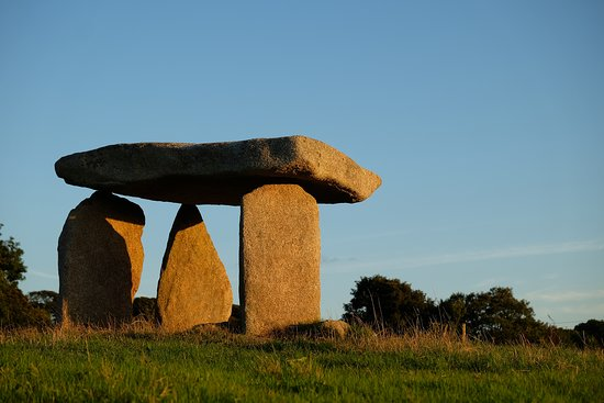 Carwynnen Quoit: Sunset at the Quoit
