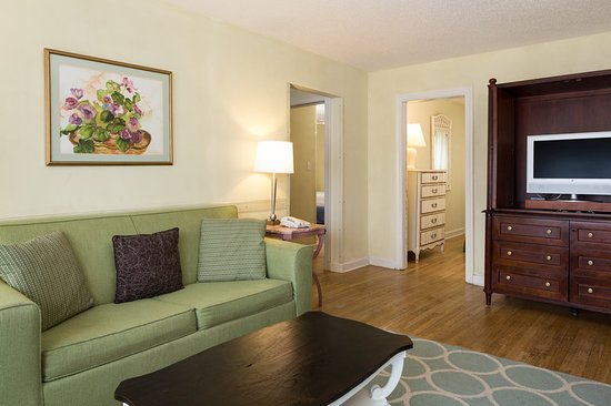Beach Plaza Hotel: Guest room