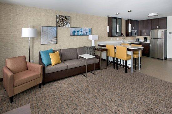 Bridgewater, MA: Suite