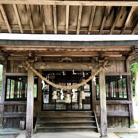 Taketa, Japan: 拝殿 こんな山奥に大きい