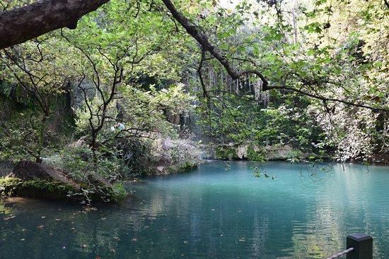 Kursunlu Waterfalls : Parku Narodowym Kurşunlu