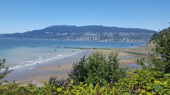 Vancouver Seawall: English Bay and beach