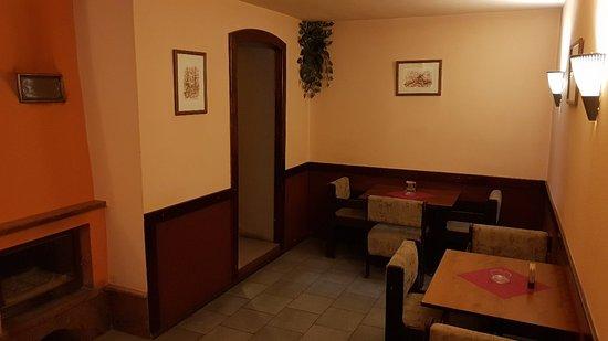 Krupina, สโลวะเกีย: Pizzeria Calva