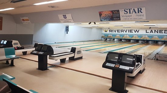 ‪Riverview Lanes Bowling Center‬