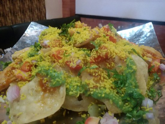 RR62 Cafe and Kitchen: Papdi chat