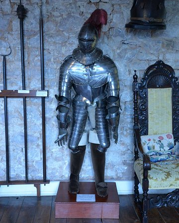 Tiverton Castle: Armour (honestly)