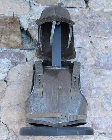 Tiverton Castle: Civil War Armour with bullet indentations