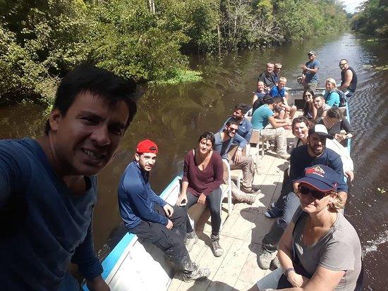 Santa Teresa, Perù: Grupo Escolar