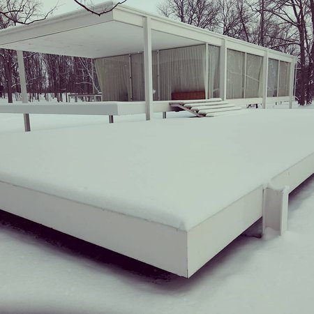 Plano, IL: Blankets of snow bring a serene silence to the property
