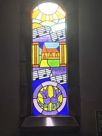 Stonehaven, UK: Beautiful modern stained glass