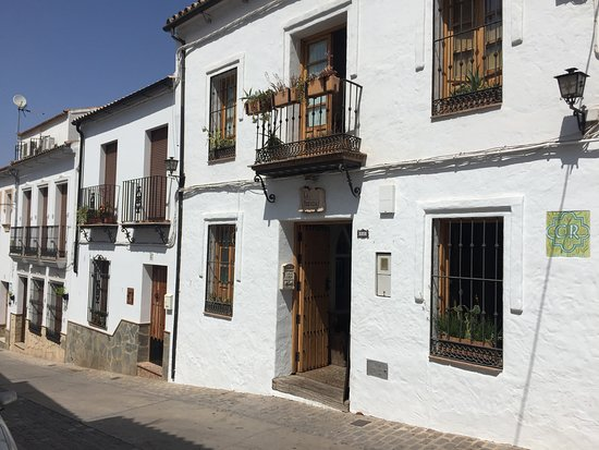 El Gastor, Spanien: View from outside in the Main Street, parking nearby