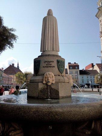 Spanheimer Denkmal und Brunnen