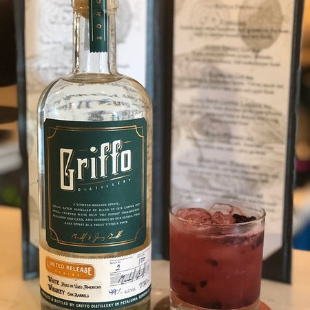 Petaluma, CA: Griffo Distillery