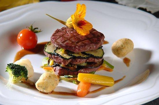 Tarasp, Suisse: Restaurant