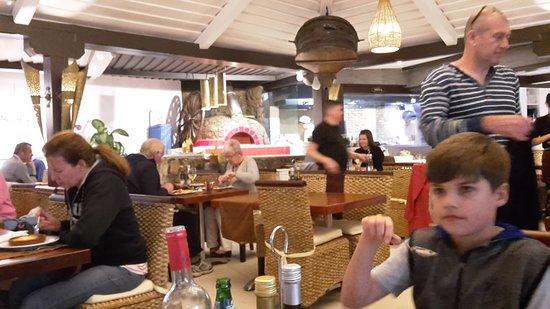 El Olivo Restaurant Gastrobar: Nice comfortable seats with cushions