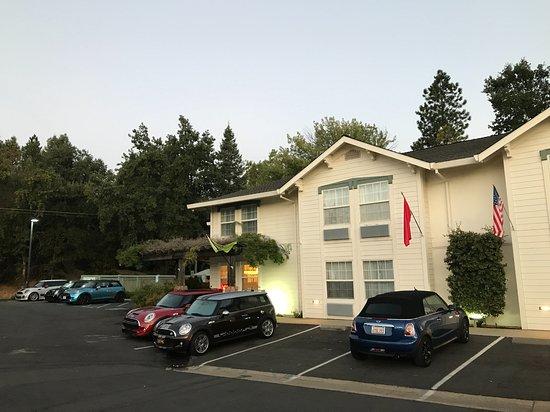 Murphys Inn Motel: Plenty of parking