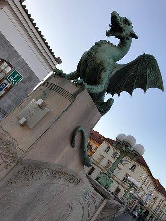 Photo0 Jpg Fotografia De Puente De Los Dragones Liubliana