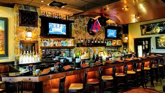 LongHorn Steakhouse: GREAT Bar!!!
