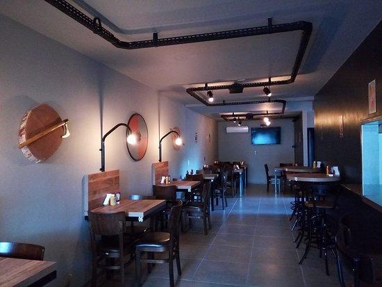 Drakkar Biadh Burger & Steak: ambiente  interno