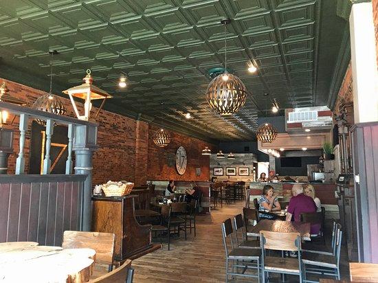 17 Public Square Restaurant Bar Medina Reviews Phone Number Photos Tripadvisor