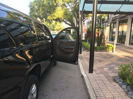 Corporate Transfers, business travelers downtown Naples