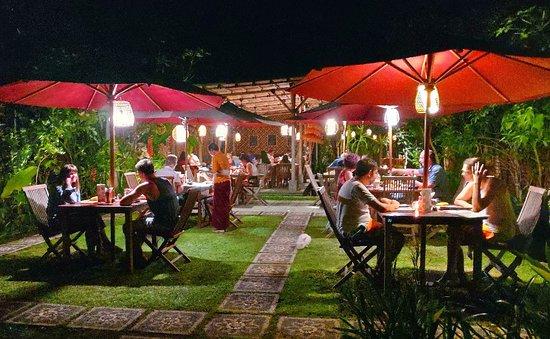 Warung Lu Putu: Splendid Garden Restaurant