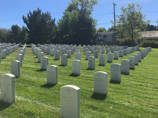 ‪Fort Logan National Cemetary‬