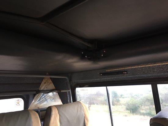 marco polo safaris linterieur de la jeep