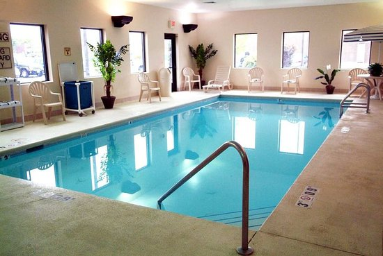 Middleburg Heights, OH: Pool