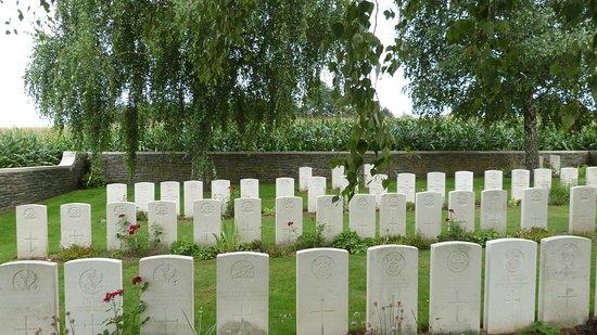 Croonaert Chapel Cemetery - Heuvelland